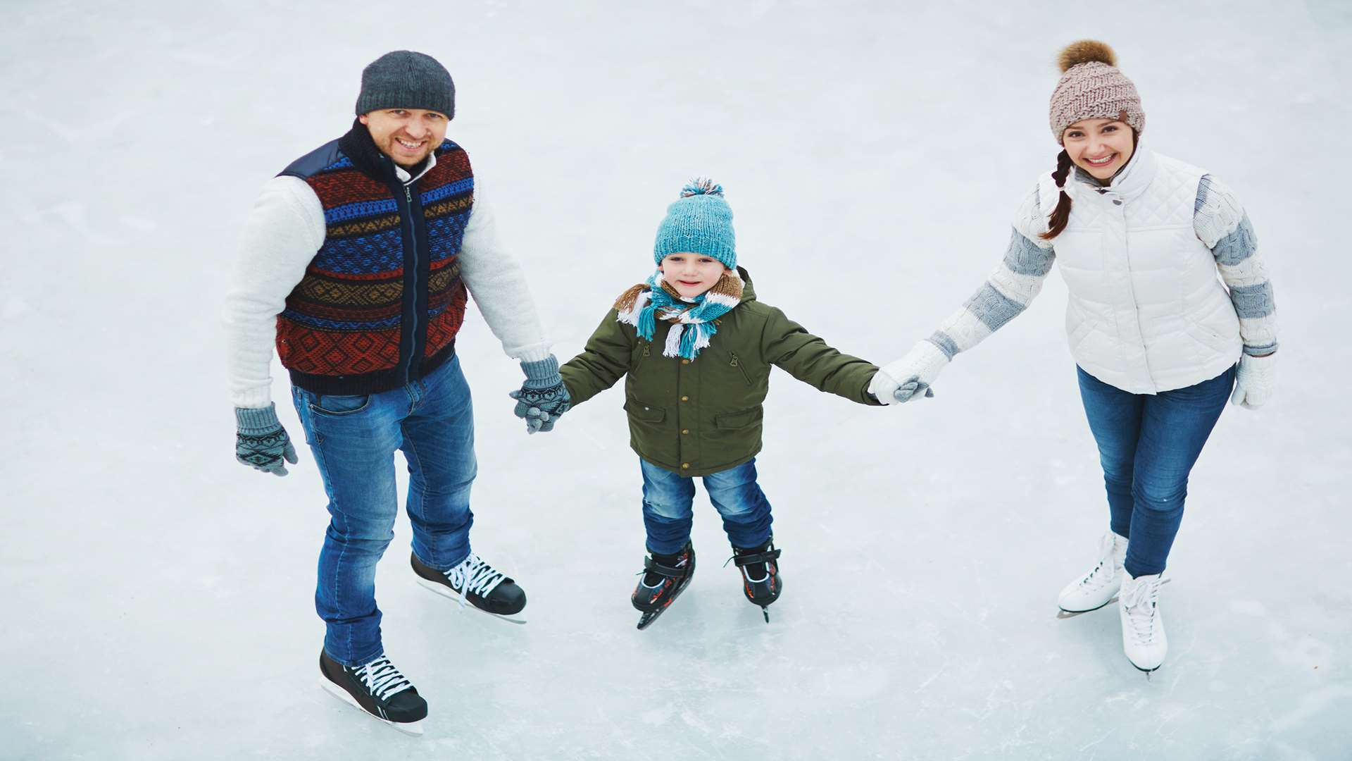 Families will have to wait to enjoy the ice this Christmas
