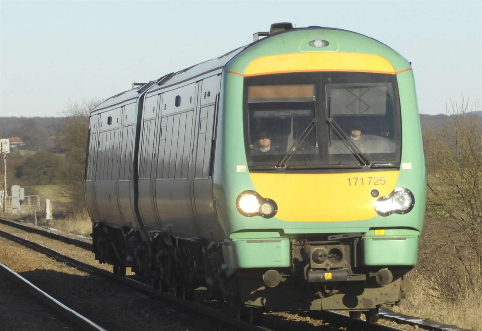 Southern trains disruption continues