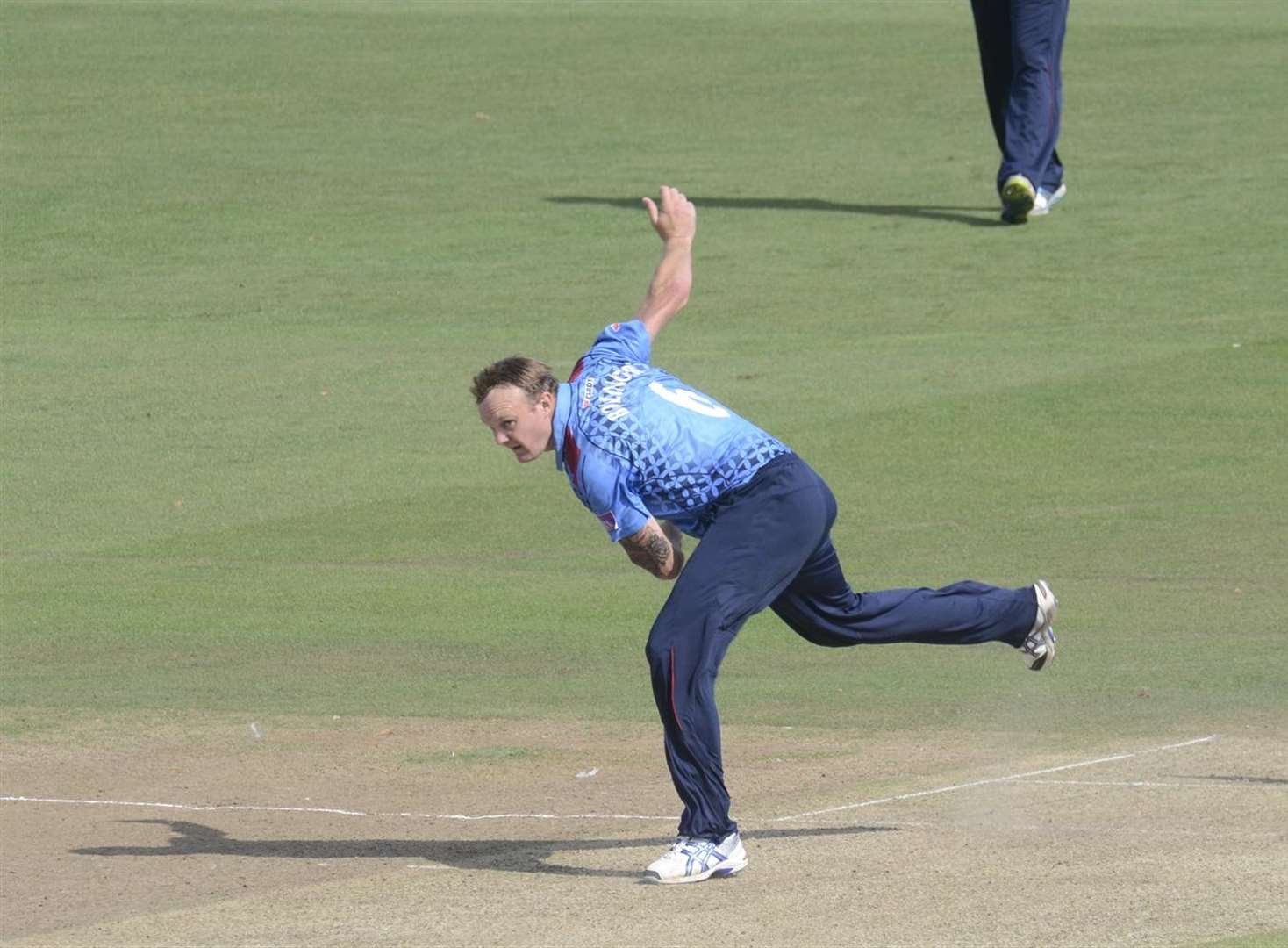 Kent go top in One-Day Cup