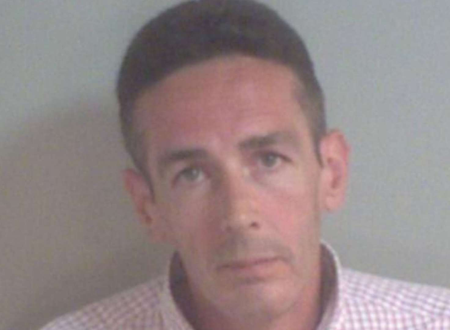 Burglar jailed after leaving a tissue