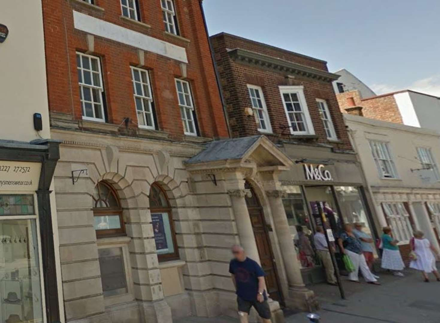 Mexican stand-off as bar wins bid to open at former bank