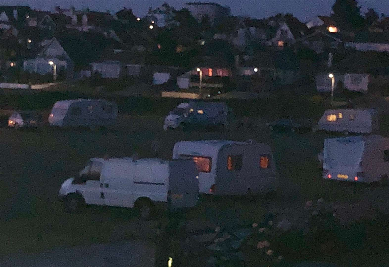 Travellers move onto green