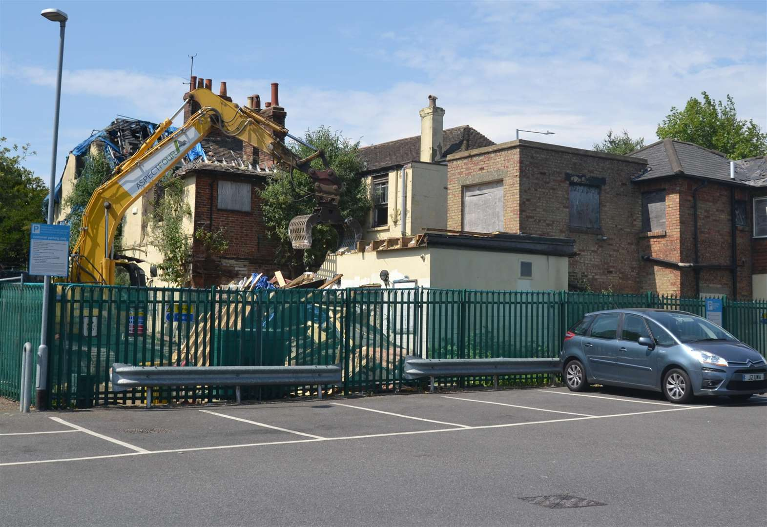 Demolition finally starts at pub