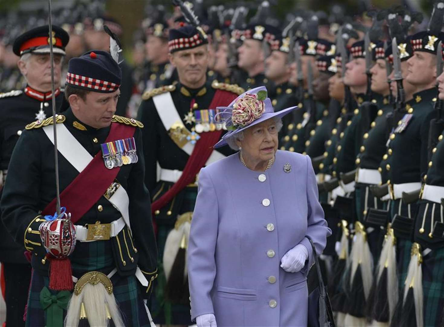 Queen's final farewell to Kent soldiers