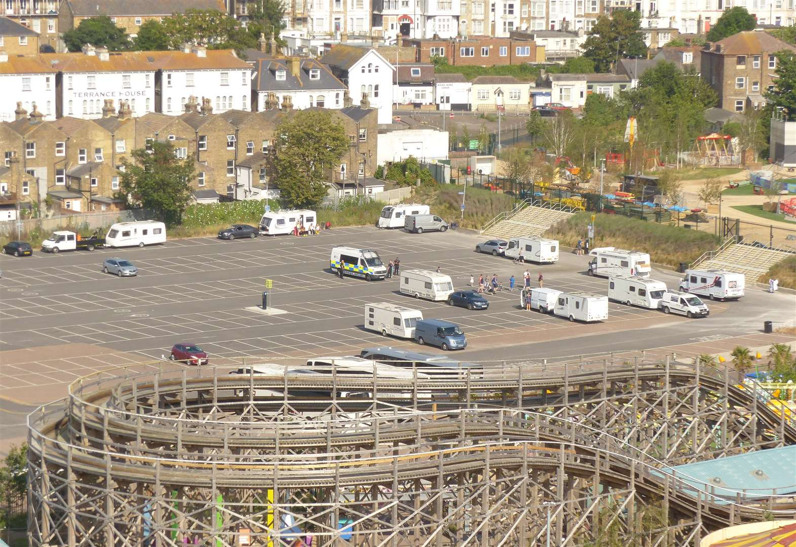 Travellers again take over car park