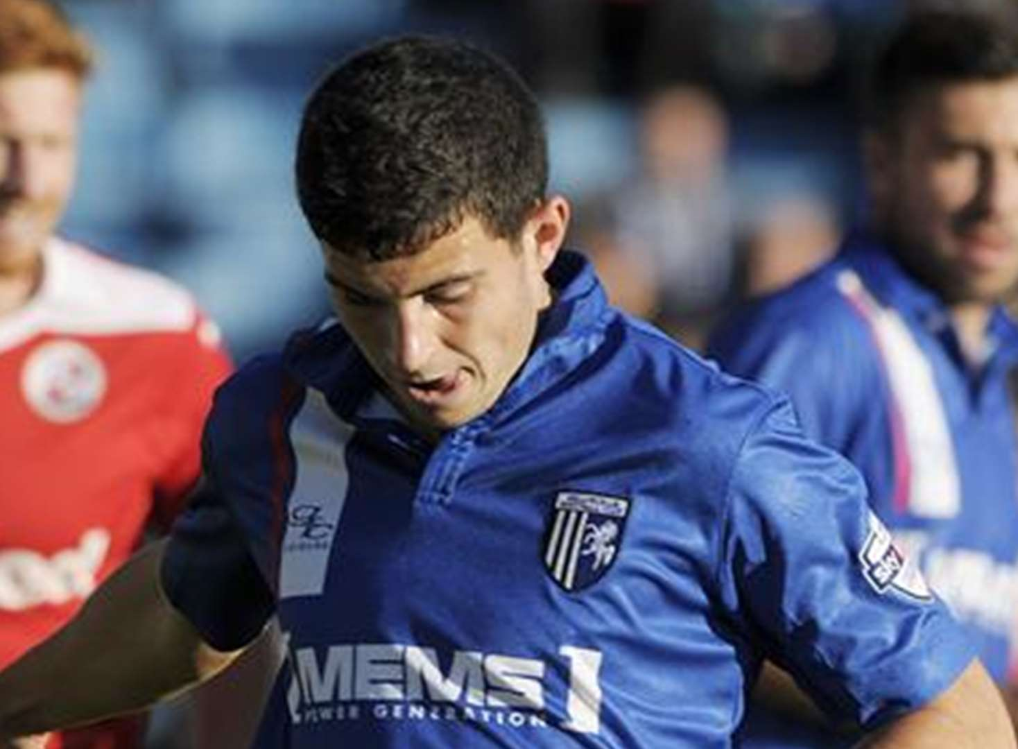 Bradford support a boost for Gills defender