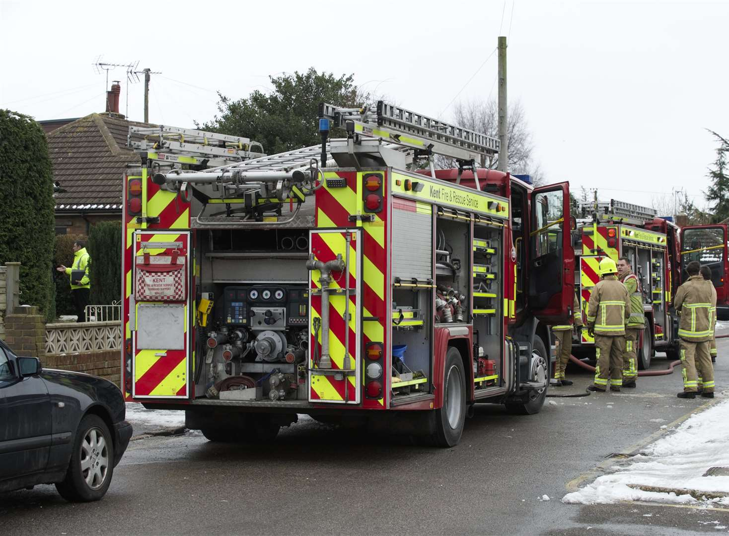 Fire in derelict building spreads