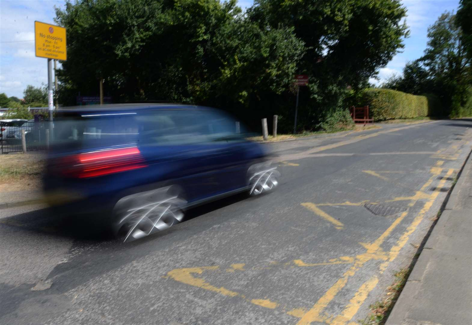 Double yellow lines pose 'enormous' threat for schoolchildren