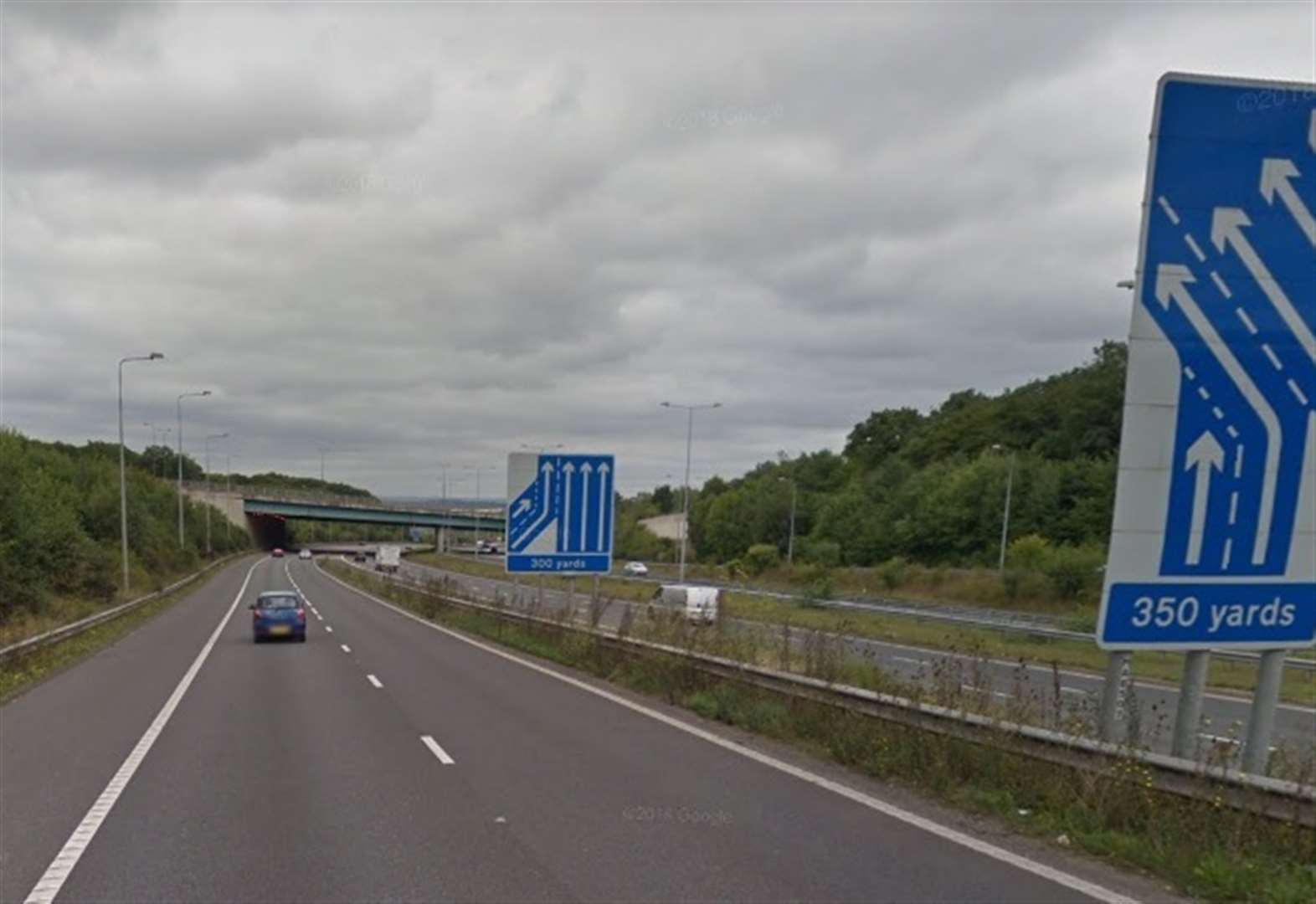 Services attend 1000-litre motorway fuel spill