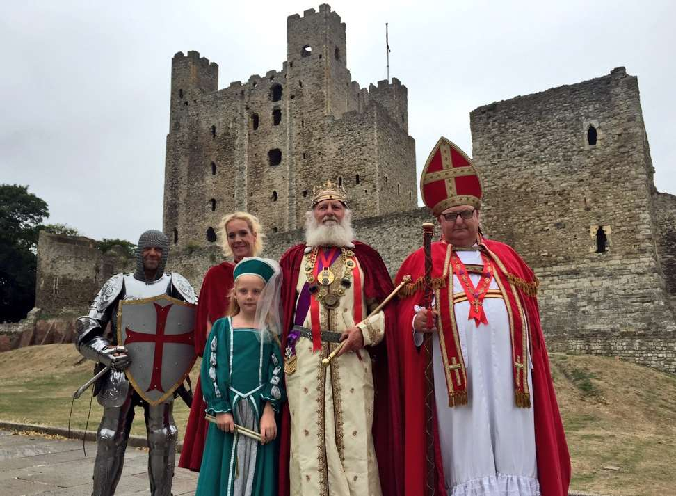 'King John' and other actors mark the 800th anniversary since the siege of Rochester Castle
