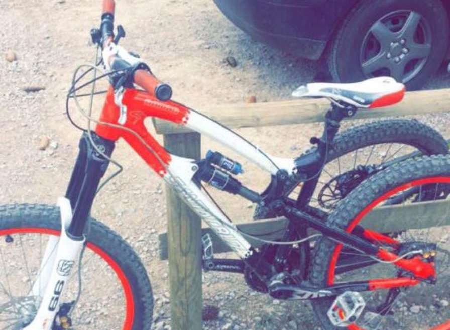 A white and red Santa Cruise mountain bike was stolen from Wickenden Road in Sevenoaks.