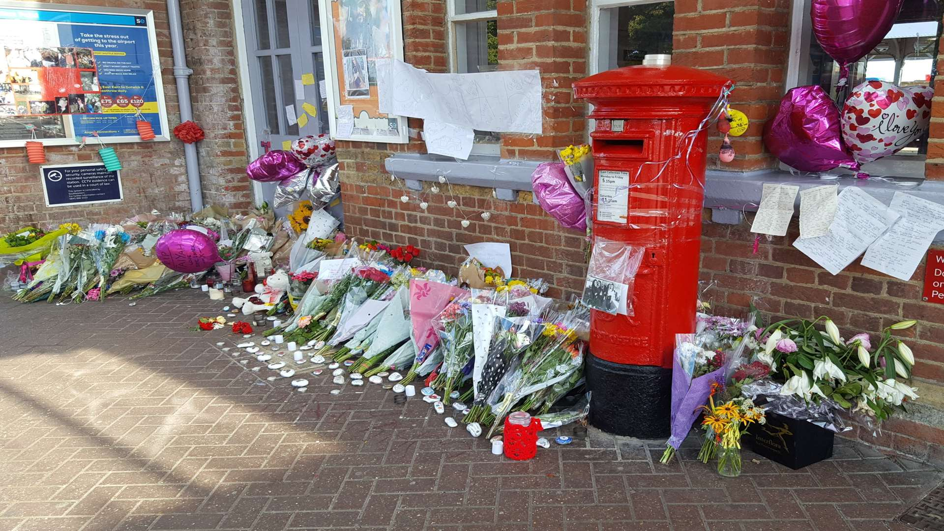 Flowers and messages for Taiyah-Grace Peebles at Herne Bay railway station