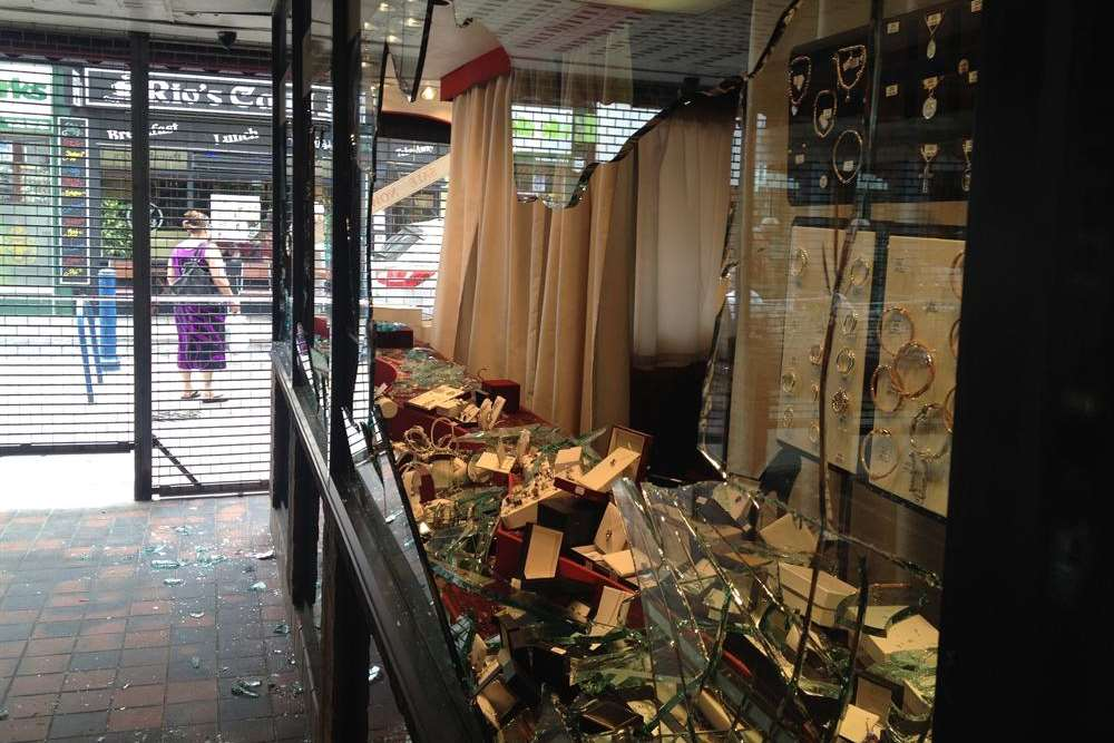 Windows smashed in Gemini jewellers in Sheerness High Street