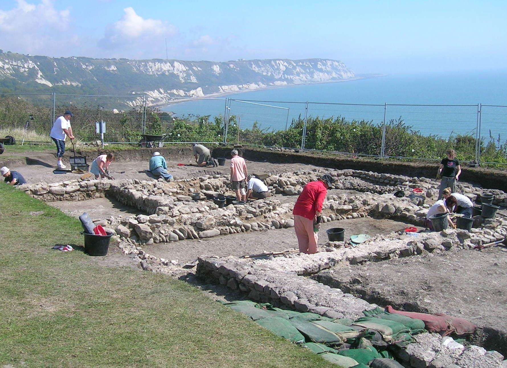 Excavations at the Roman villa and Iron Age settlement at Folkestone's East Wear Bay