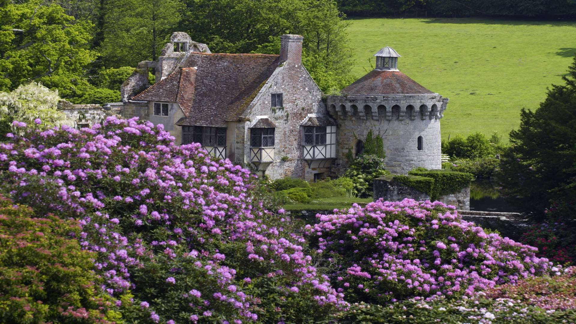 The National Trust's Scotney Castle