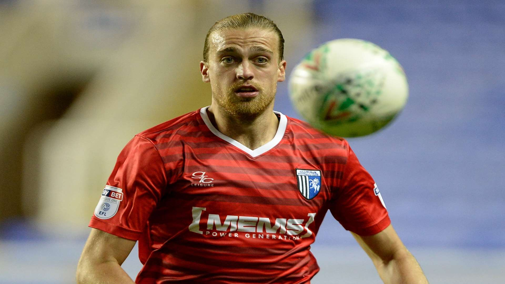 Striker Tom Eaves gives chase for Gills Picture: Ady Kerry