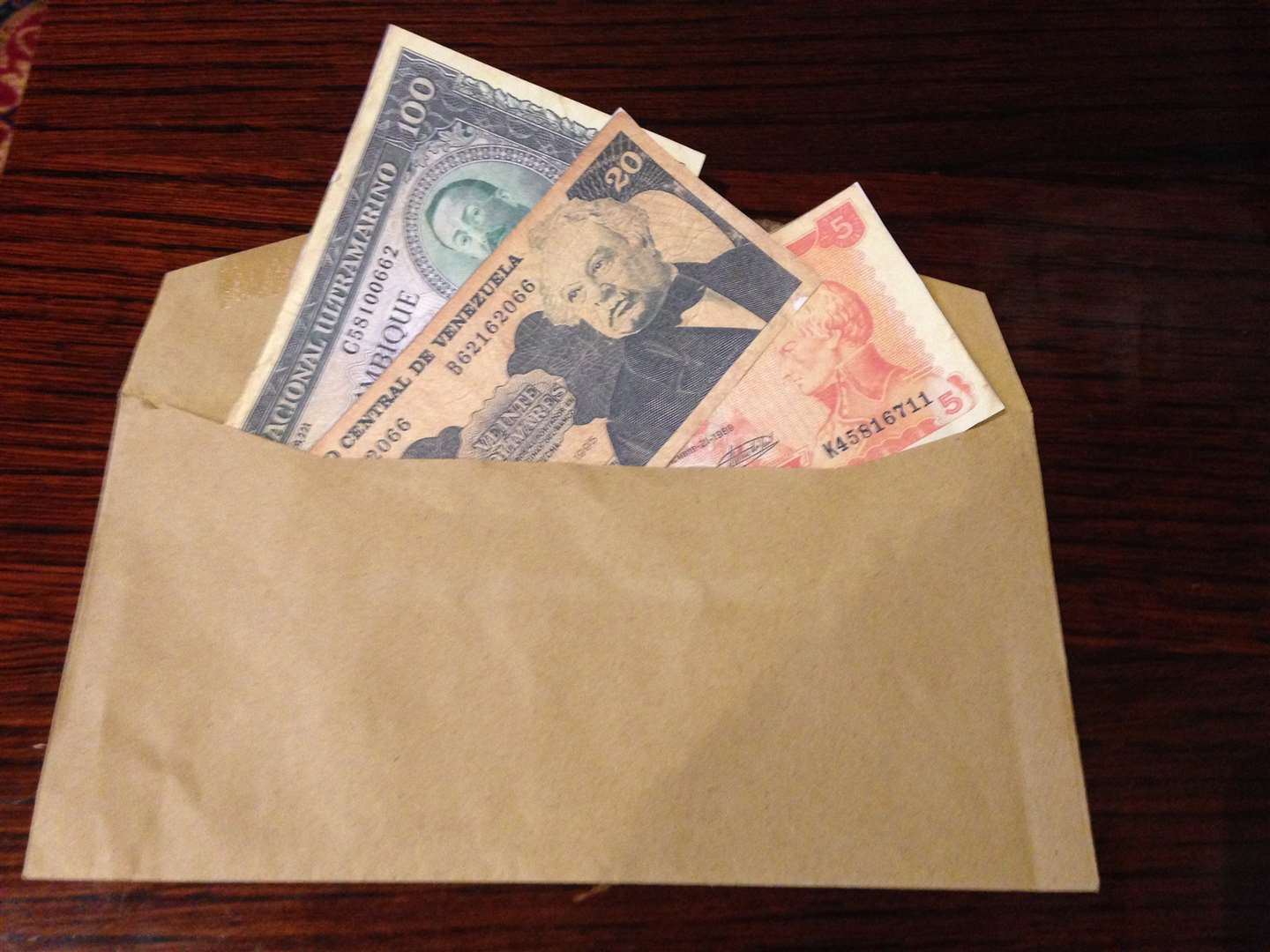 Brown envelopes with foreign currency was posted through letter boxes of town councillors