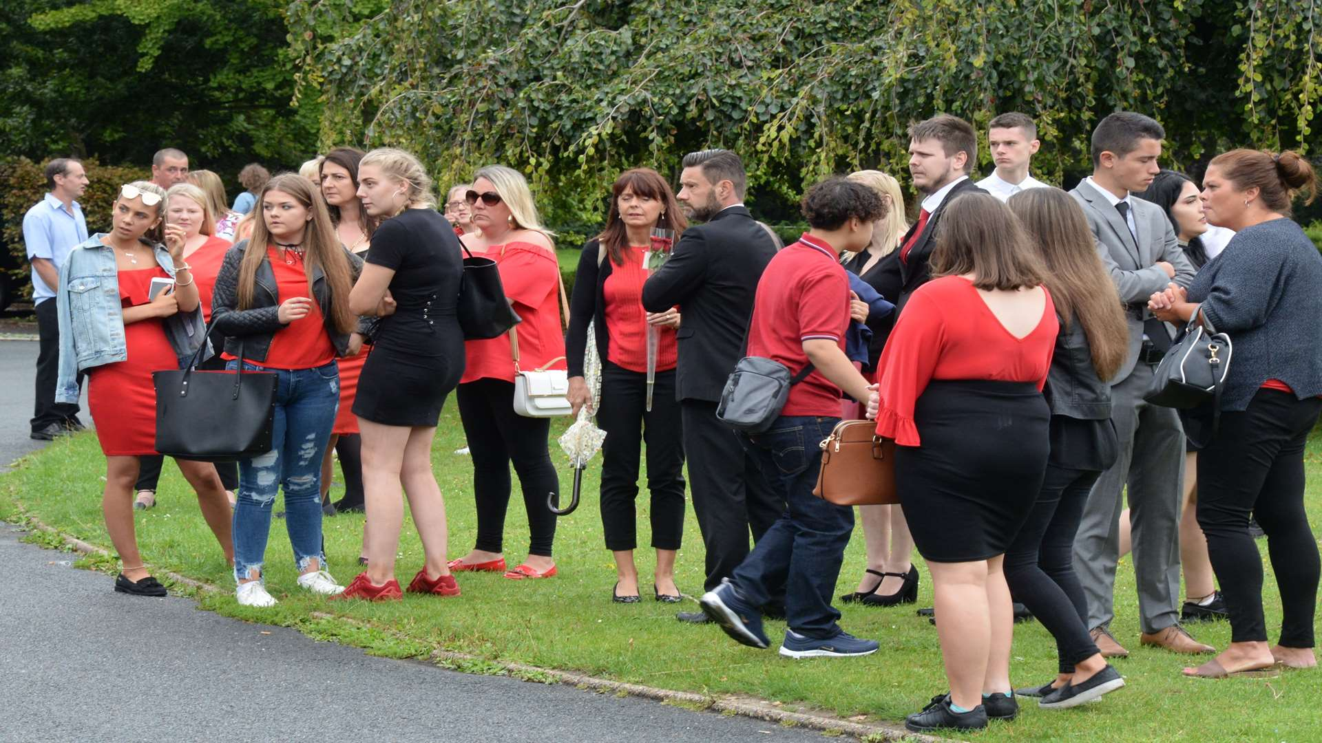 Loved ones of Taiyah Peebles at Thanet Crematorium