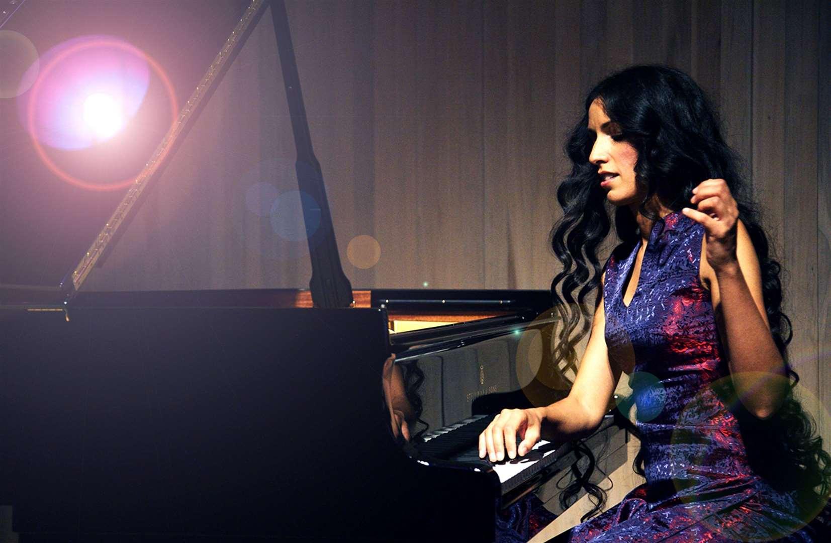 Zoe Rahman will be at the Hever Festival
