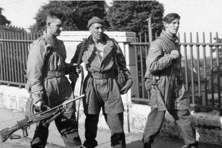 Reg Curtis (right) with fellow members of 11 SAS Battalion