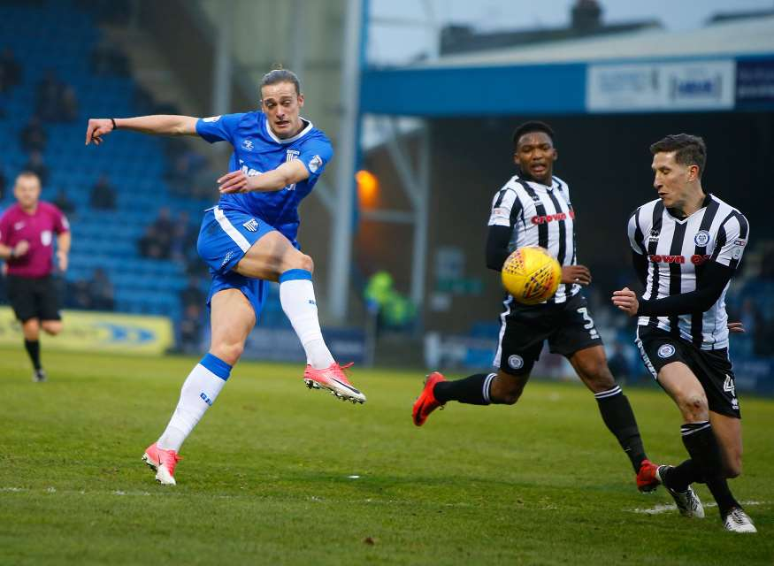 Tom Eaves tries his luck for Gills Picture: Andy Jones