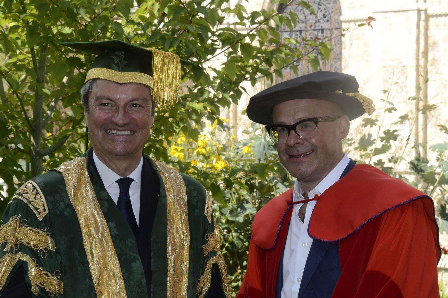 Comedian Harry Hill with university chancellor Gavin Esler