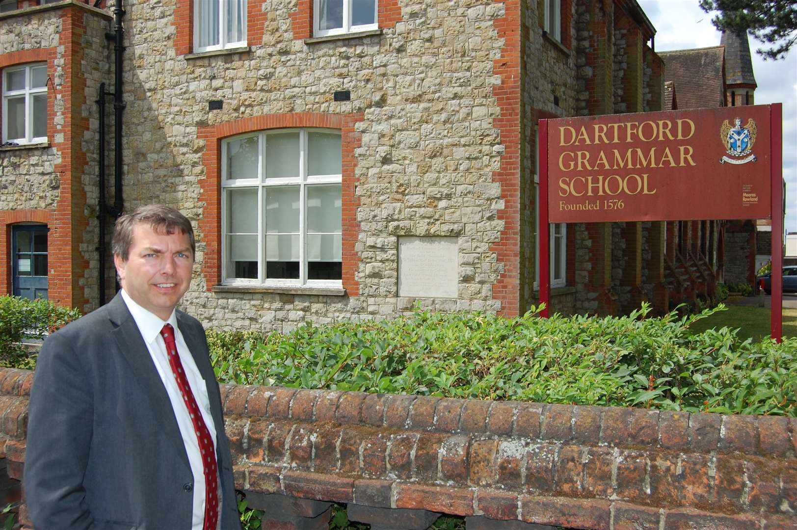 Dartford MP Gareth Johnson wants to see the law changed to allow for new grammar schools to be built both in his constituency and across the country.