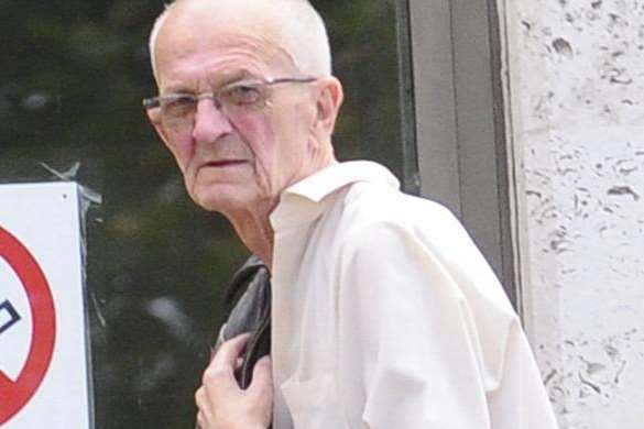 Pervert Colin Fooks arrives at Maidstone Crown Court