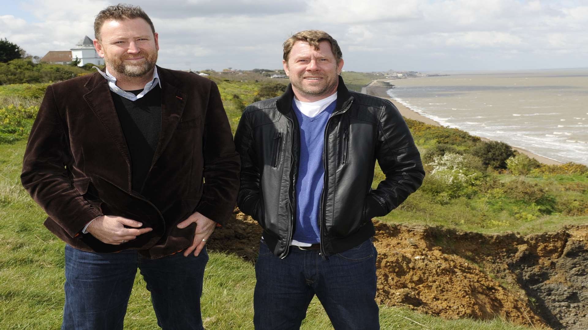 Jason Hollingsworth and Phillip Long want to put Kinetic sculptures along the seafront