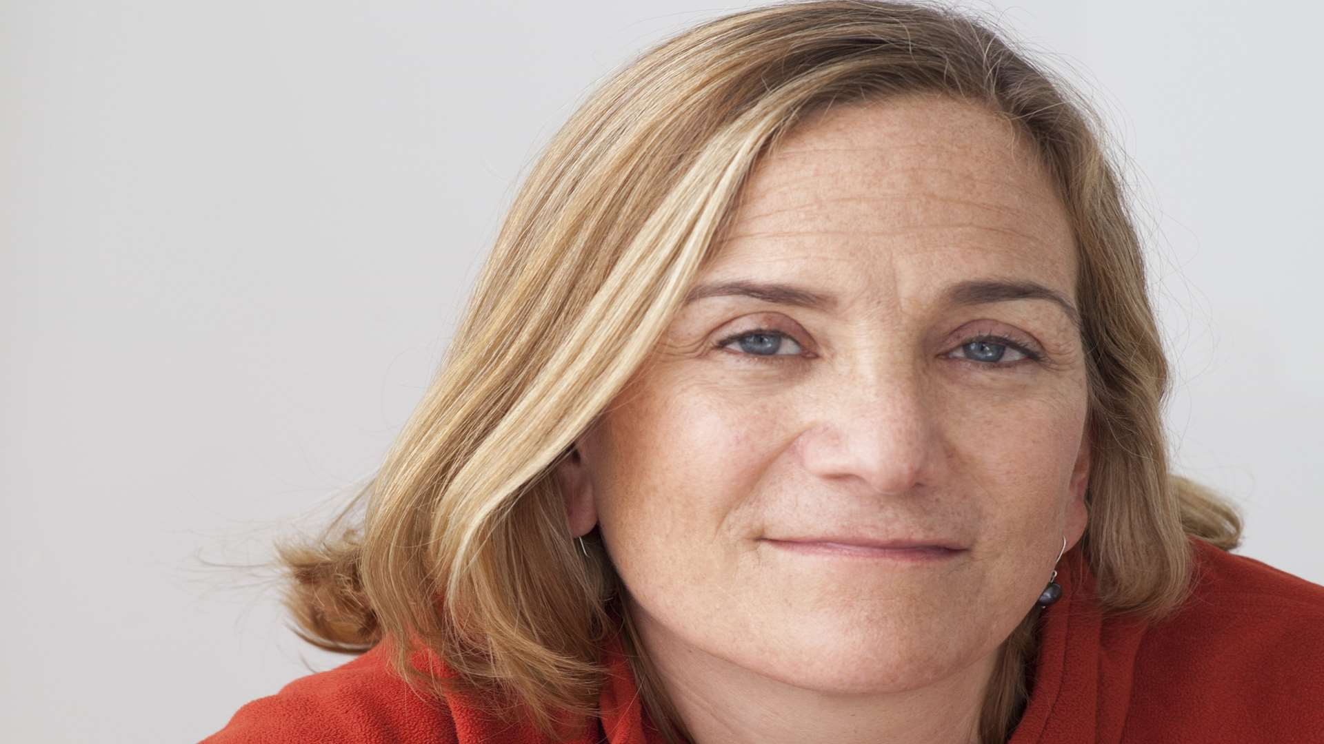 Tracy Chevalier, author of the Girl with the Pearl Earring, will be launching the book festival with a Christmas lights switch-on