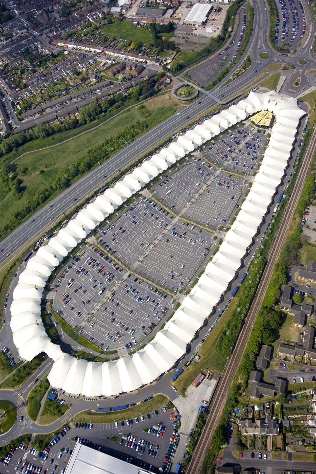 90 million development of the ashford designer outlet is for Design on line outlet