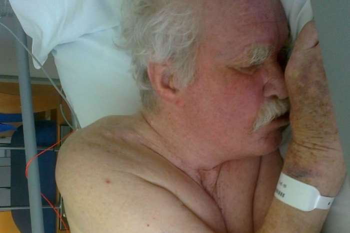 Frank Foster in his final days of life in which his daughter claims he was left in agonising pain. Picture: SWNS.com