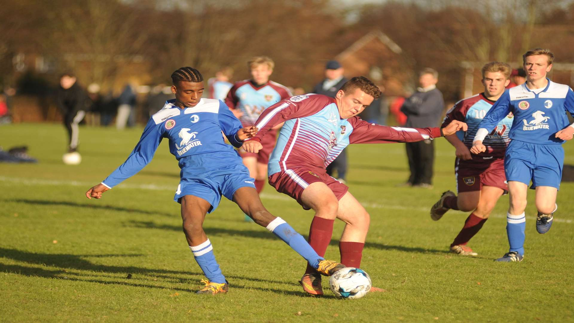 KFU Woodpecker and Wigmore Youth Wanderers go head-to-head in Under-18 Division 2 Picture: Steve Crispe