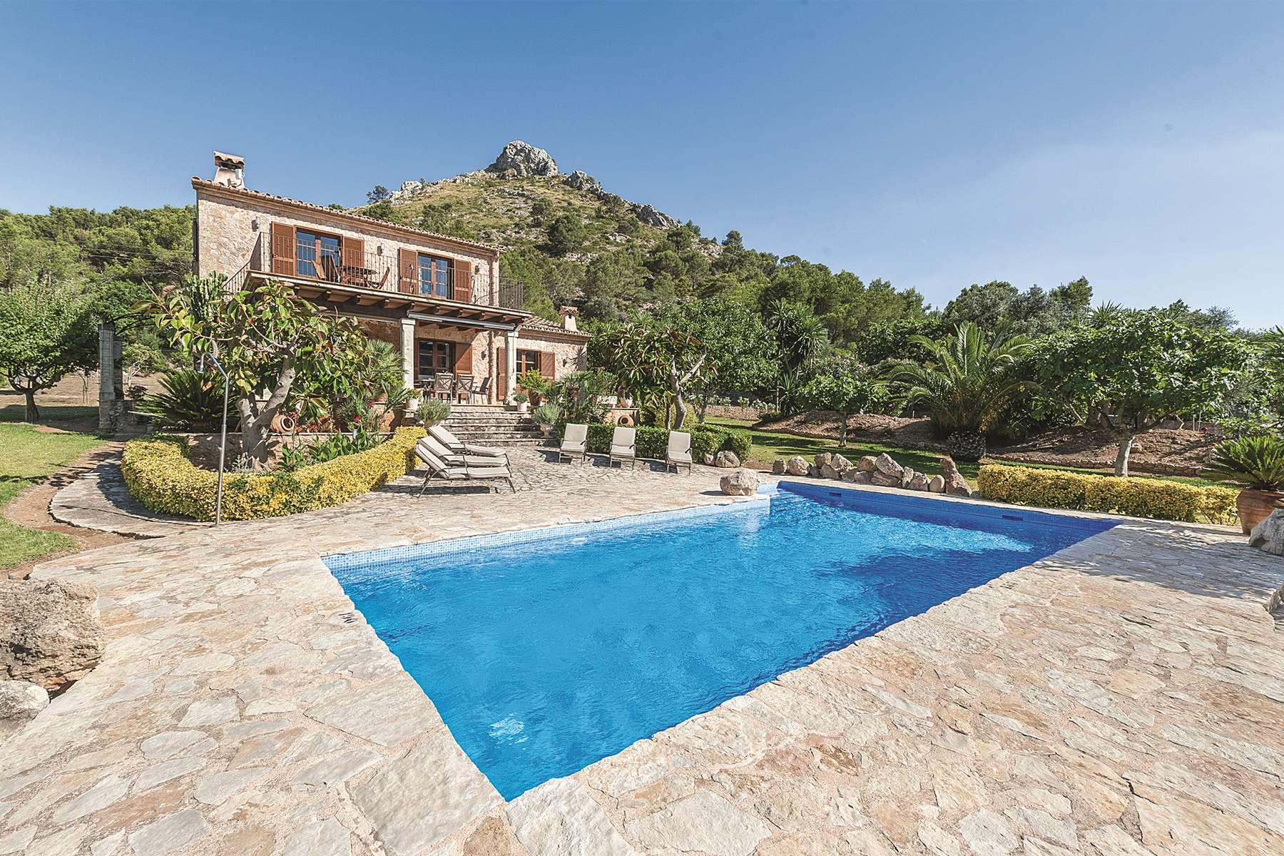A James Villas Holiday Home In Mallorca