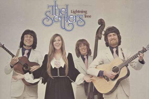 The Lightning tree by The Settlers featuring Cindy Kent
