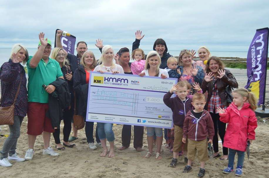 Celebrations on Epple Beach as Laura Hill gets her 3 Grand in the Sand winnings