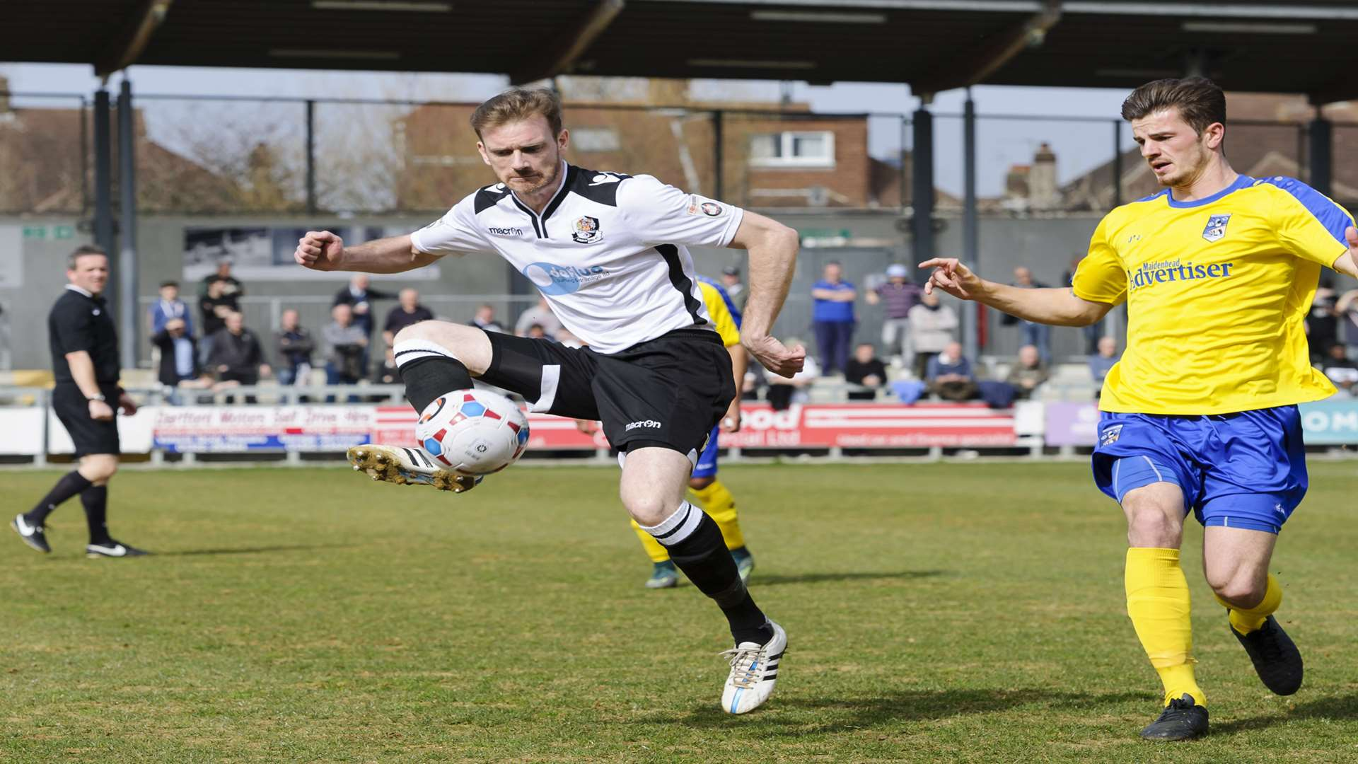 Barry Cogan on the ball for Dartford against Maidenhead Picture: Andy Payton