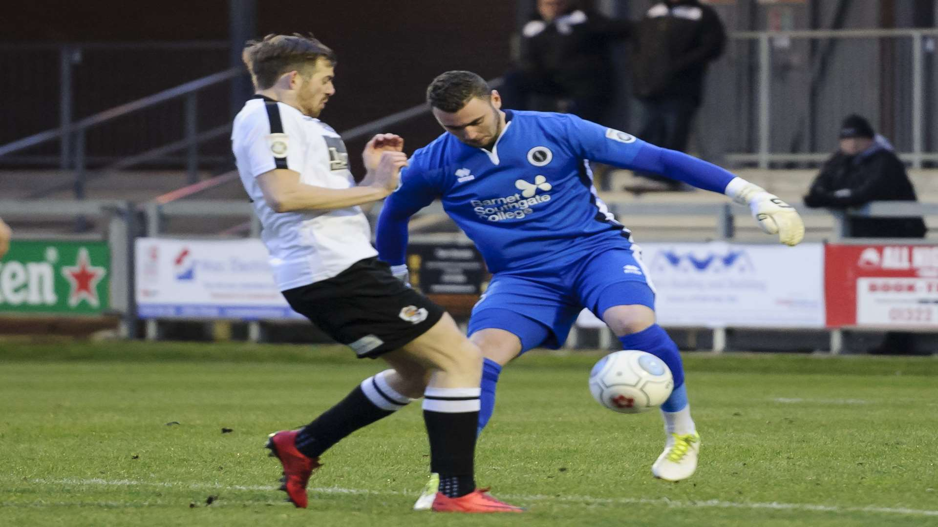 Dartford's Tom Murphy puts Boreham Wood keeper Grant Smith under pressure in Saturday's 1-1 draw Picture: Andy Payton