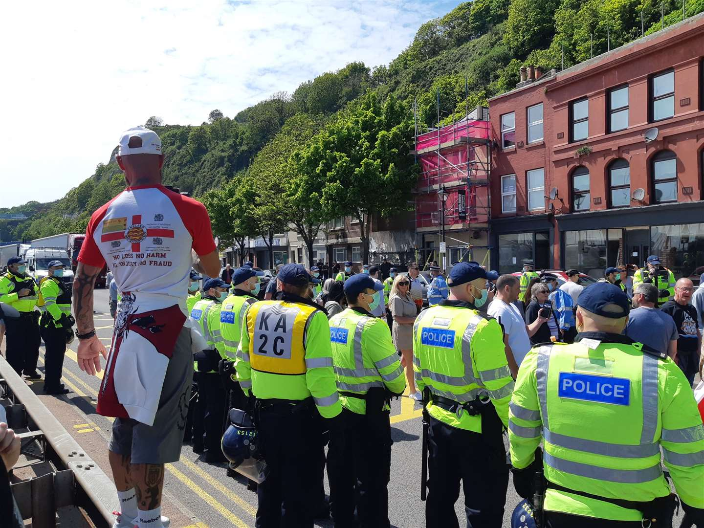 Police overwhelm protest as they close part of Snargate Street