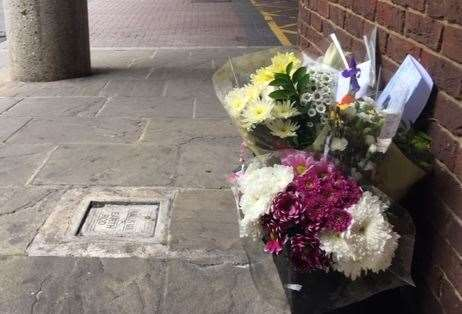 Flowers left by the scene of the attack in Whitefriars (13830719)