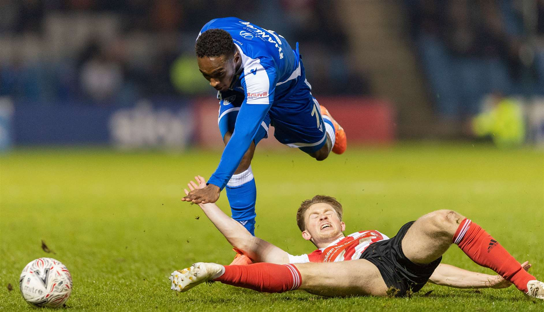Brandon Hanlan is challenged by Sunderland's Denver Hume Picture: Ady Kerry