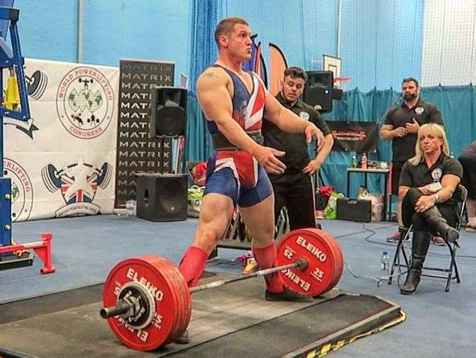 Competing in the European powerlifting championships in 2016