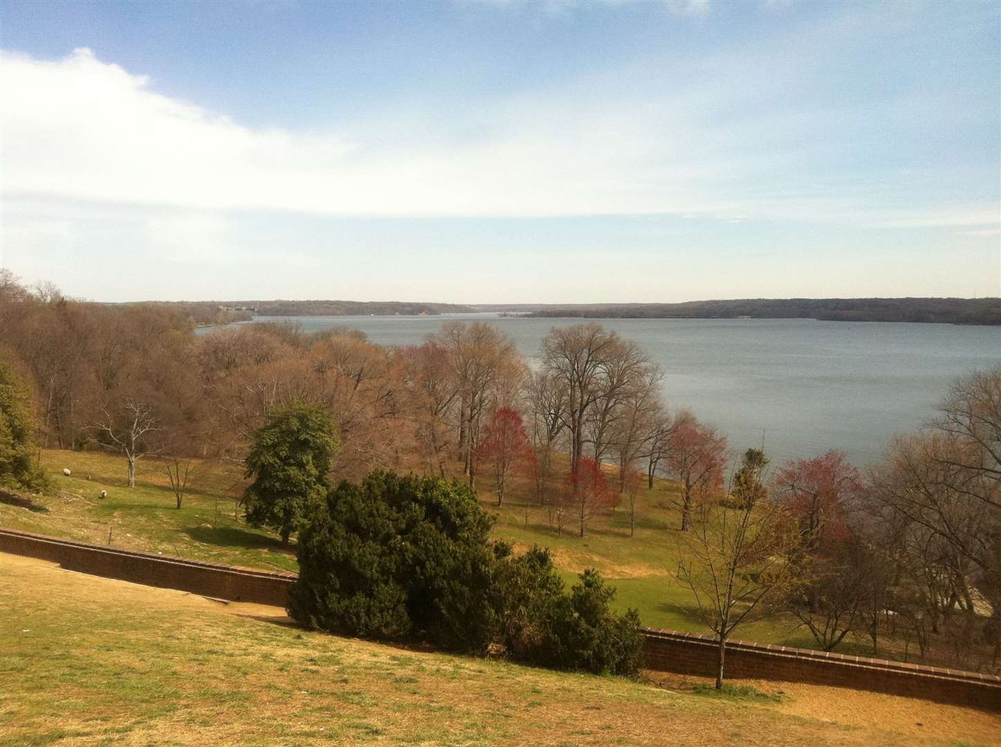 View over the Potomac River in Virginia - the state in which the first English settlement, Jamestown, was built