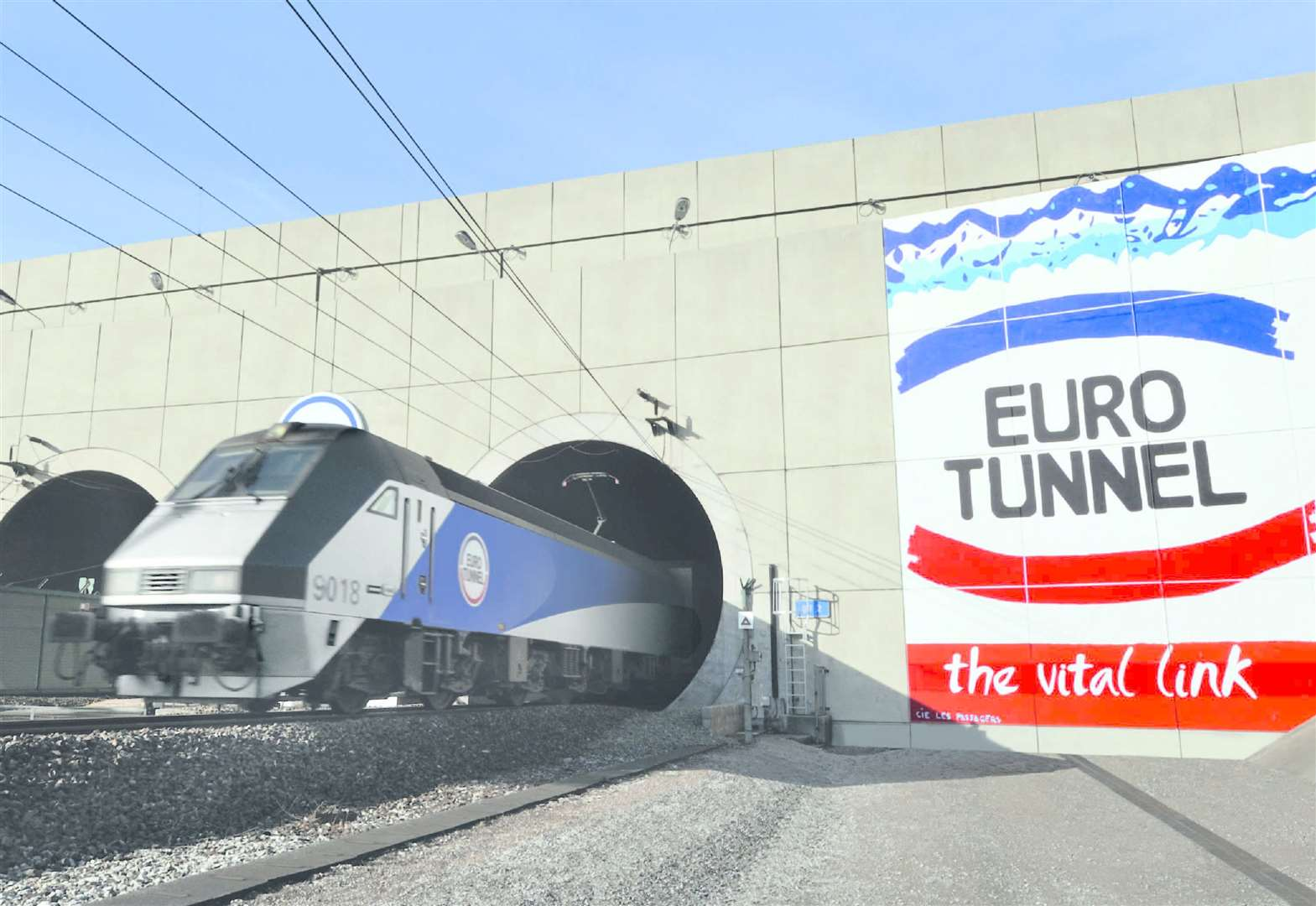 Eurotunnel blames 'political uncertainty' for drop in traffic