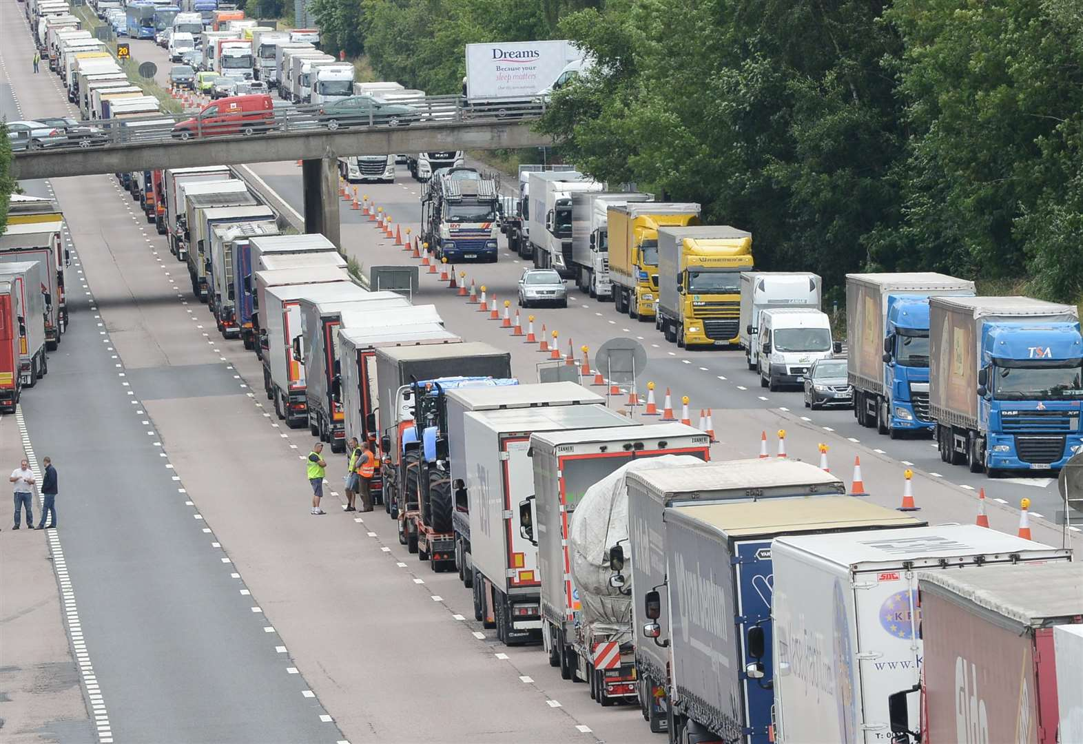 Landowners tapped up over huge lorry park plan