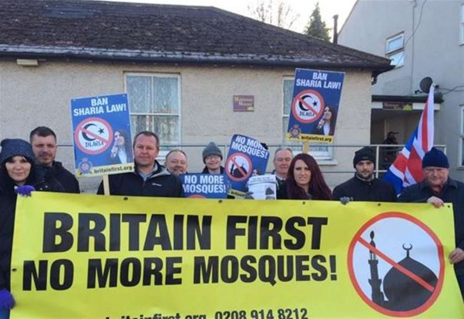 Far-right campaign against 'mega mosque' relaunched