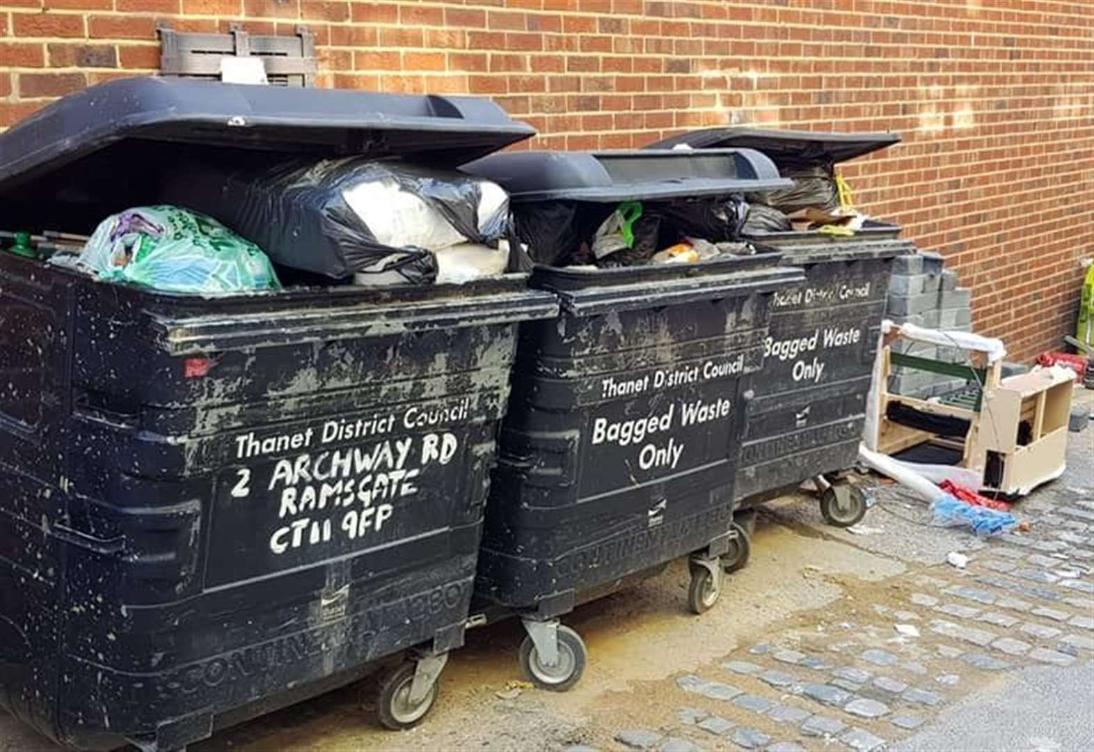 Anger as 'missed bin collections' leaves rubbish on the streets