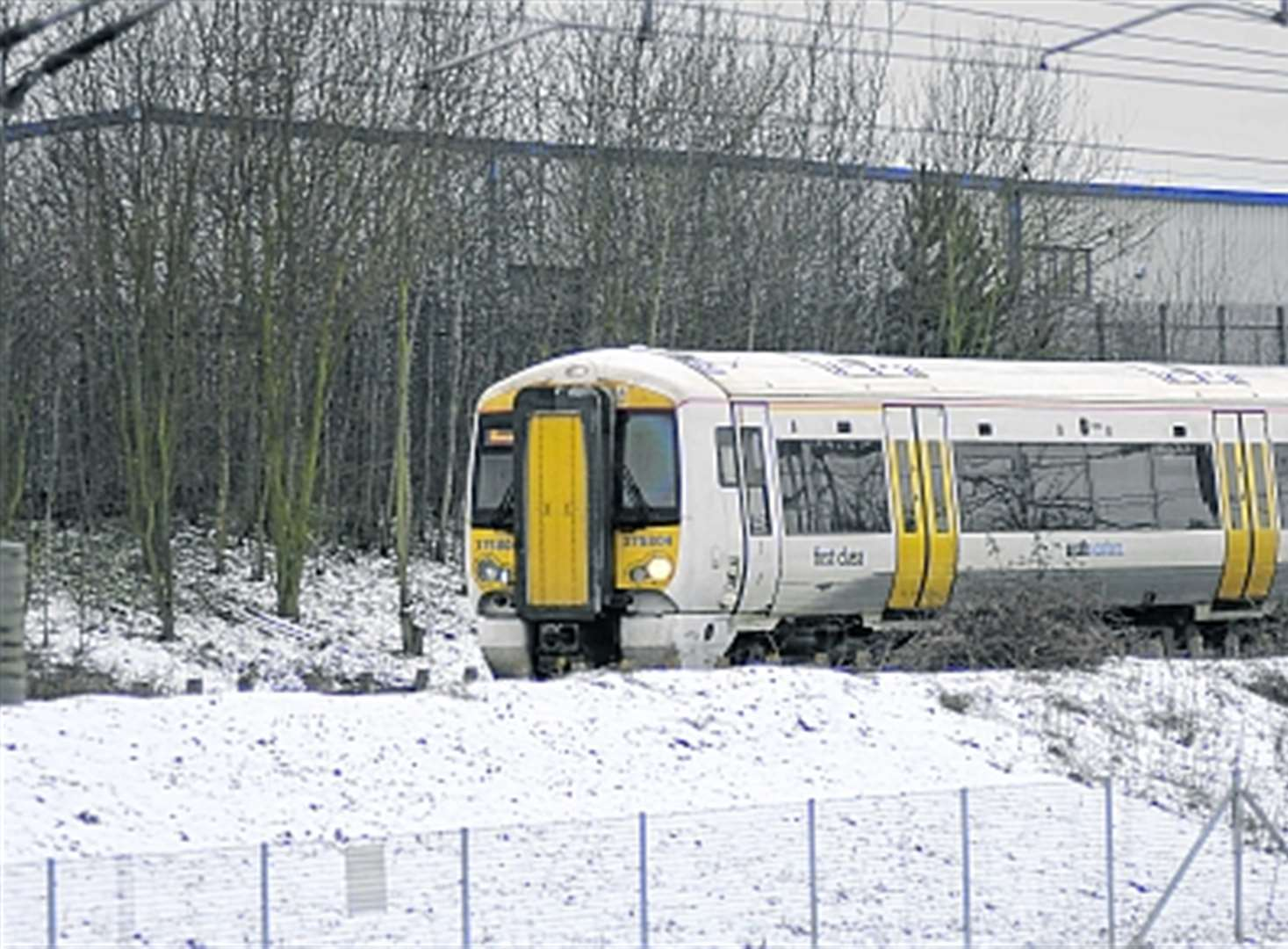 De-icing trains serviced