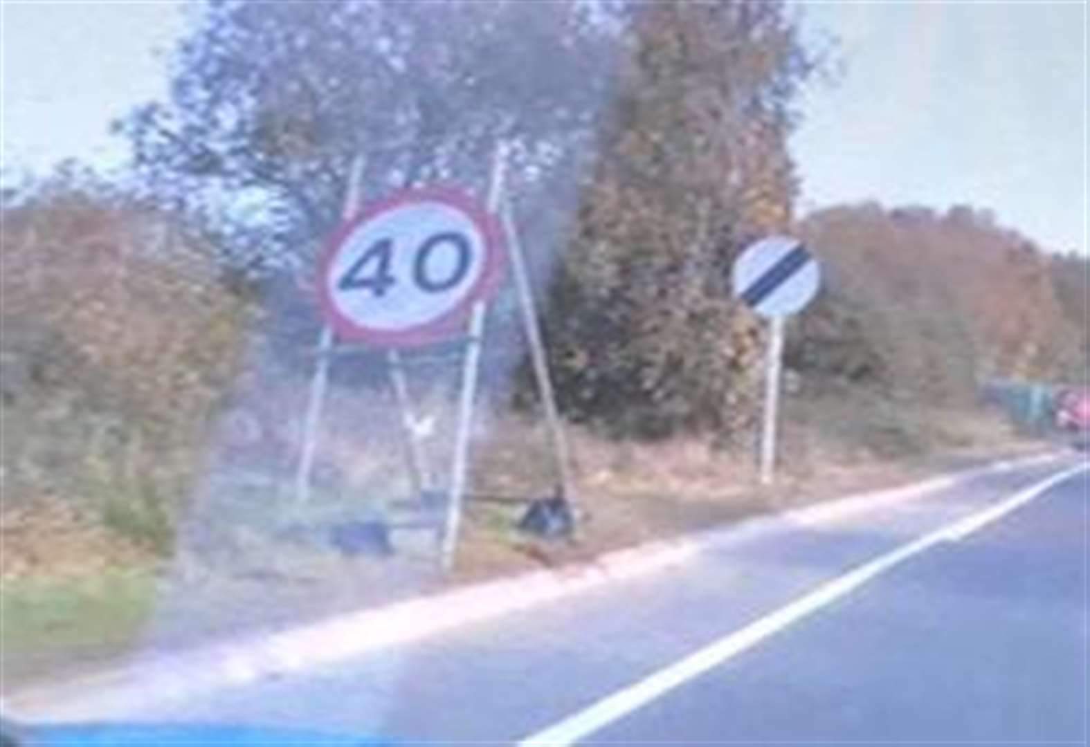 Conflicting speed signs confuse motorists