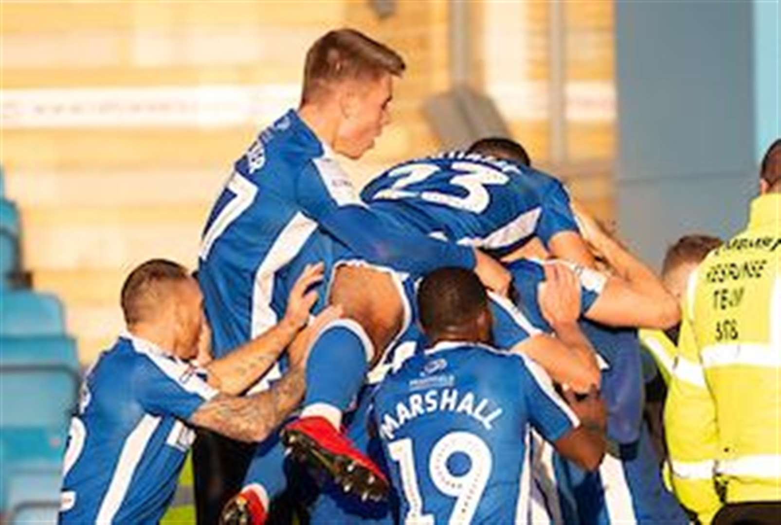 Report: Ogilvie wins it for the Gills